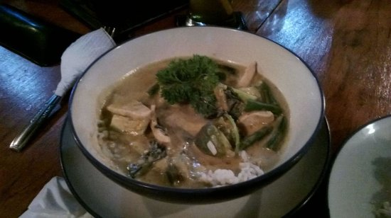Matahari Tulamben Restaurant: thai massaman
