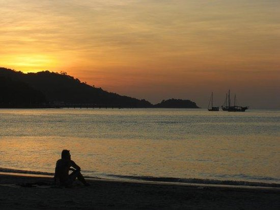 Burasari Resort: Patong beach sunset