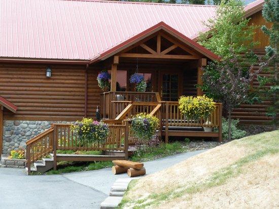 Kenai Princess Wilderness Lodge: Grounds