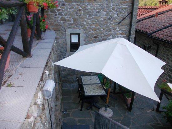 Holiday House Il Borgo dei Corsi: ..il nostro patio...