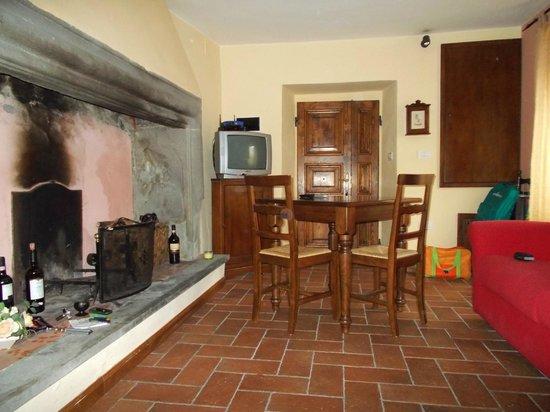 Holiday House Il Borgo dei Corsi: Interni..
