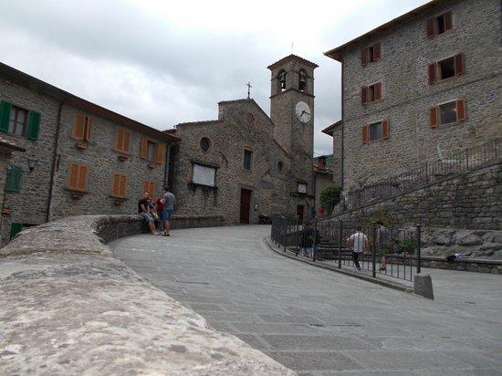 Holiday House Il Borgo dei Corsi: Piazza San Michele...