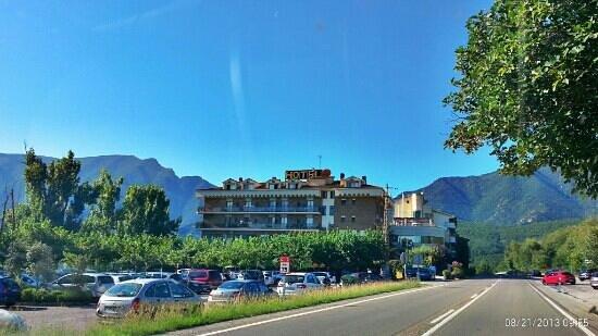 Hotel Terradets (Vista a la llegada)