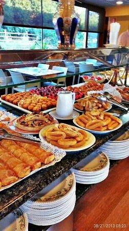 Hotel Terradets: Desayuno (bufett libre)