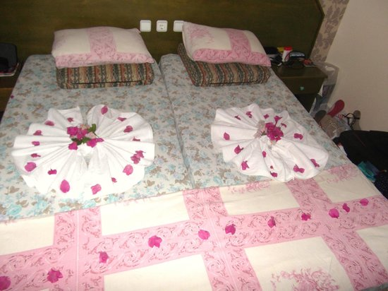 Seda Apartments: Beds well made