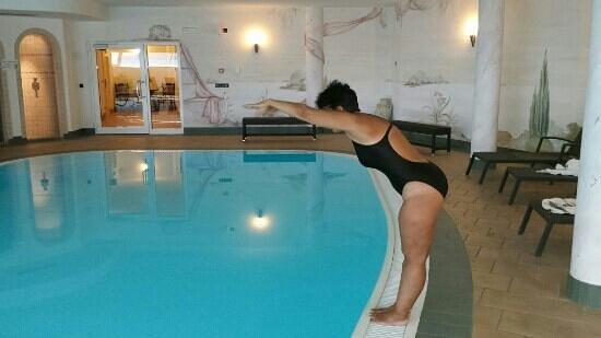 Hotel Asterbel: piscina e zona relax