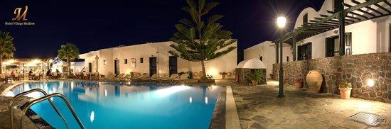 Hotel Mathios Village: mathios village by night