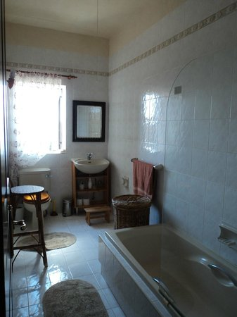 Ta' Bertu : bathroom on the second floor