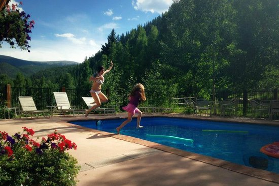 Tumbling River Ranch: Pool time