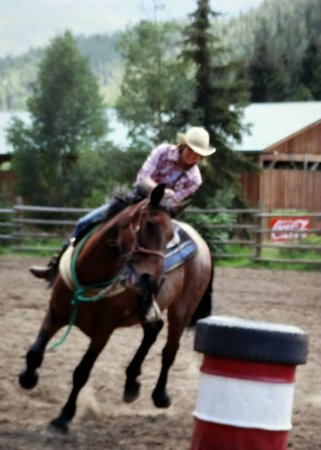 Tumbling River Ranch: Riding in the rodeo