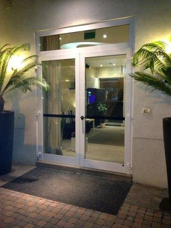 Hotel Trieste: ingresso hotel