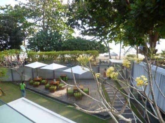 JavaCove Beach Hotel: Pemandangan dari lt 2