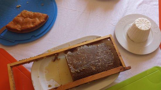 B&B TreDomus : miele autentica per la colazione