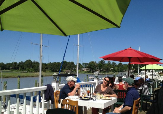 The Restaurant at Smithfield Station: Lunch on the deck
