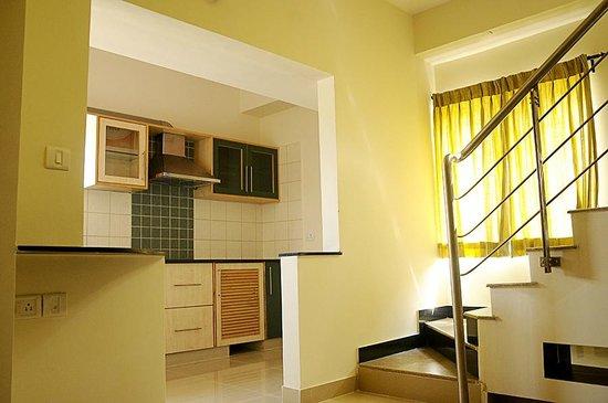The Grand Serenity - Apartment Hotel: Kitchen
