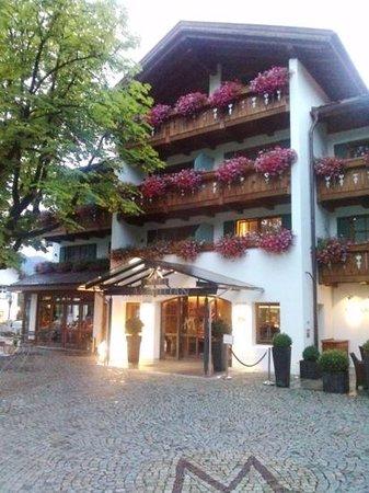 Hotel Maximilian: Hoteleingang