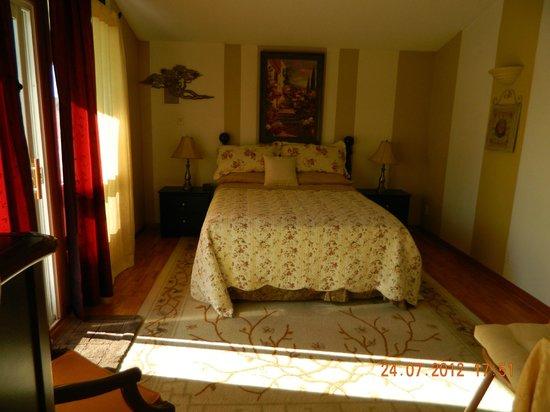 Mansfield Park Bed and Breakfast: Queen Suite