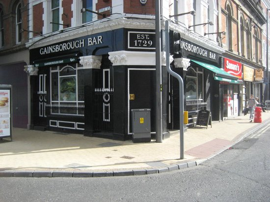 Gainsborough Bar: On the corner