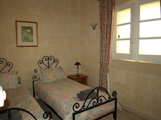 Villagg Tal-Fanal: bedroom