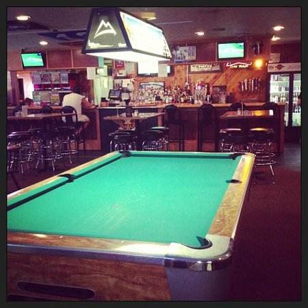 JR's Hideaway: Come join us for pool!