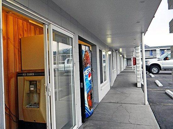 Motel 6 Wenatchee: MVending