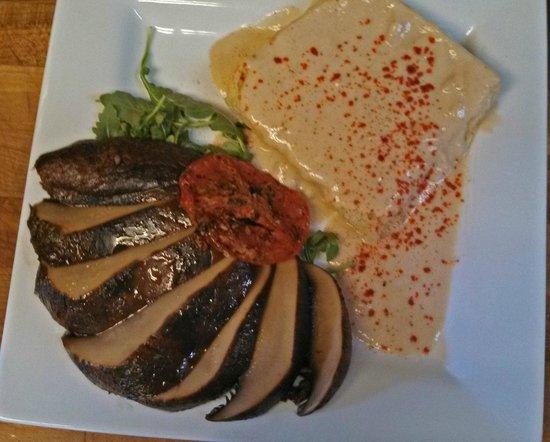 Kingfish Inn: vegan gluton free biscut and gravy
