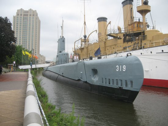 Independence Seaport Museum: ON BOARD A WETDECKED  SUBMARINE