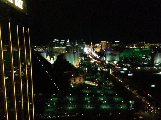 Four Seasons Hotel Las Vegas: Night view from our room