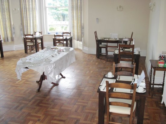 Sefton Court Hotel: breakfast room