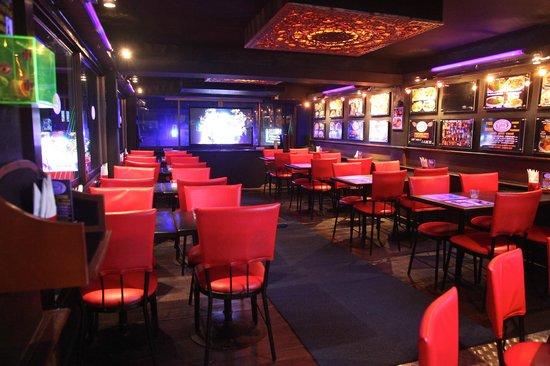 Telephone Pub, Restaurant & Karaoke