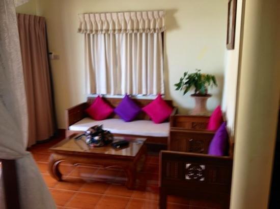 Buri Beach Resort: room