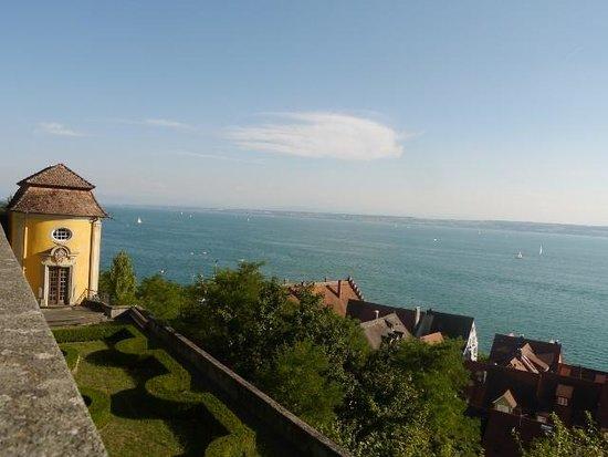 Hotel zum Schiff: 新城から湖を見下ろす