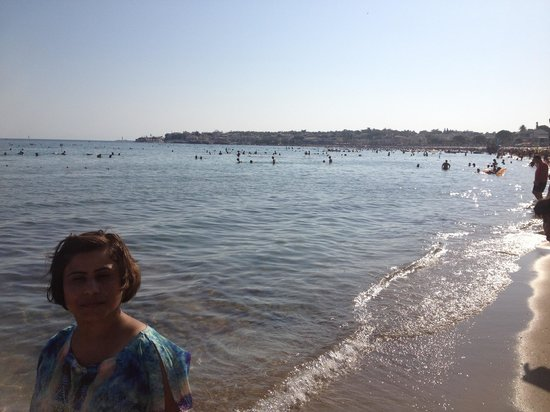 Altinkum Beach : Great place. Lovely people and tasty food