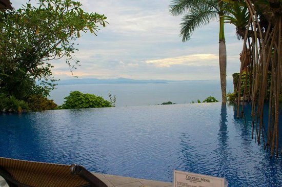 Zephyr Palace Luxury Rental Mansion: Infinity pool at main hotel