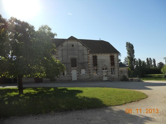 Domaine de Villargeau, : Old Farmhouse Where Wine is Made