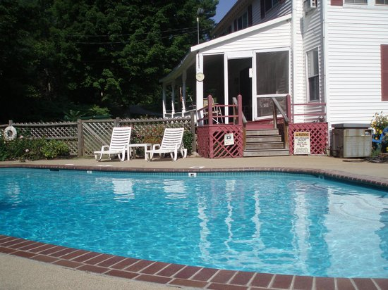 Cranmore Mountain Lodge Bed and Breakfast: Pool