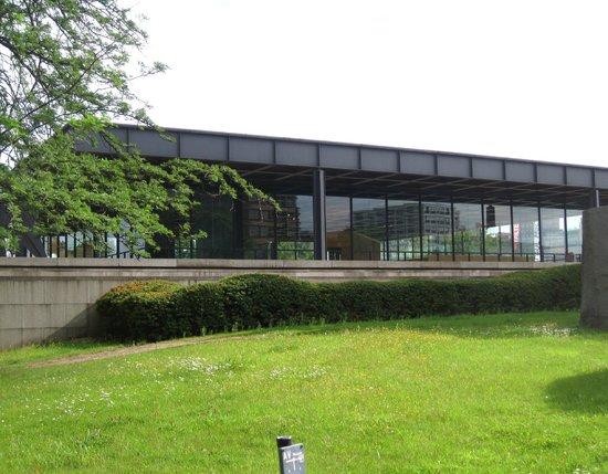 Neue Nationalgalerie (Mies van der Rohe; 1965-8)