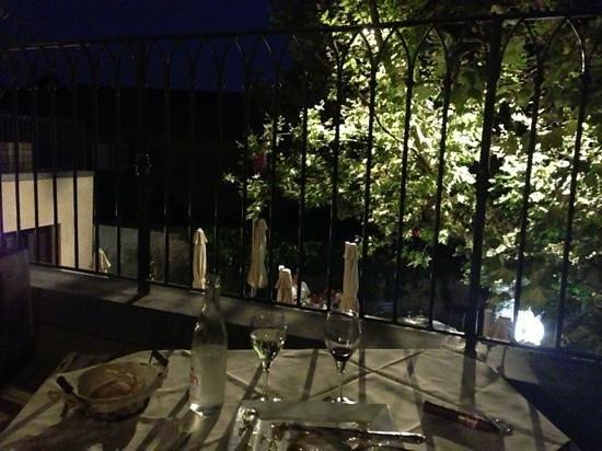 Charme & Business Hôtel Lyon : diner excellent en terrasse