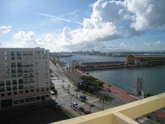Sheraton Old San Juan Hotel : Looking out of our balcony