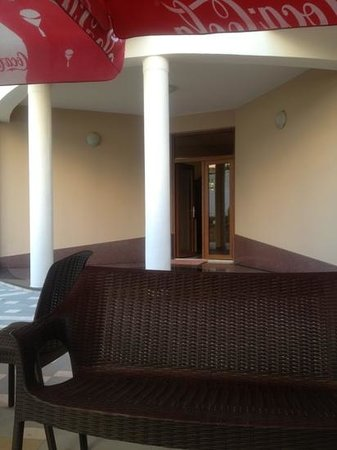 Hotel Europa: entrance of the hotel