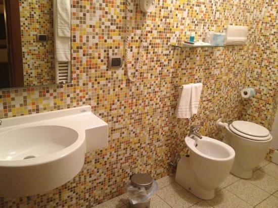 Hotel Panorama: bathroom