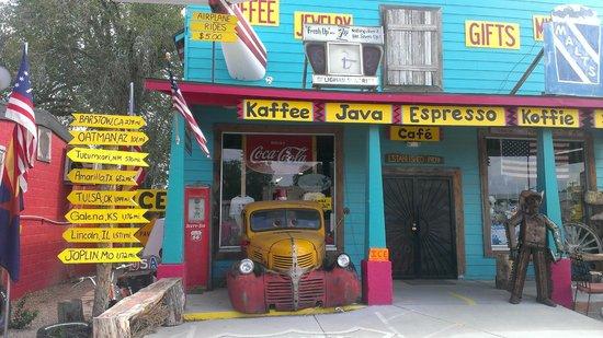 Angel & Vilma Delgadillo's Route 66 Gift Shop & Visitor's Center: Historic Route 66 in Seligman