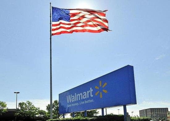 Comfort Suites Bentonville: Walmart Home Office - Just Minutes Away