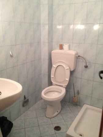 Hotel Europa: bathroom
