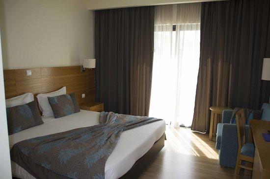 Hotel Caravelas: Camas comodas