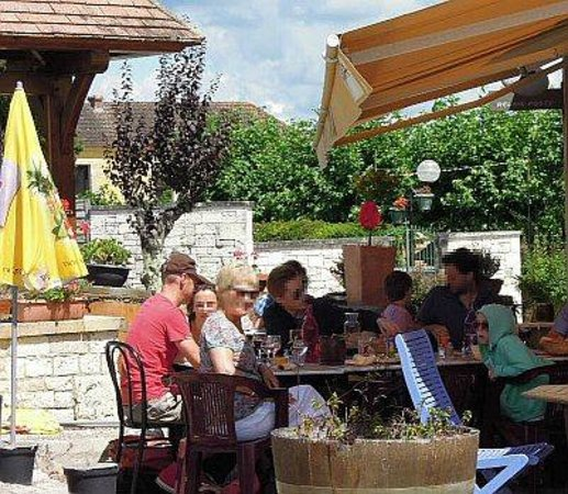 Restaurant L'Etoile : Great fun family lunch