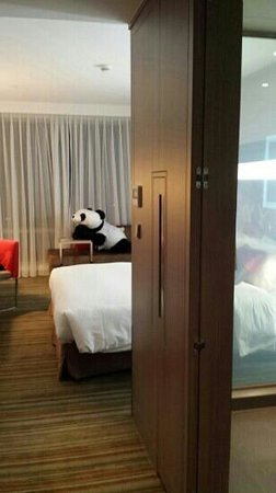 Hotel Novotel Taipei Taoyuan International Airport: new friend awaiting my arrival =)