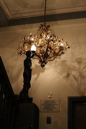 Hotel Bristol: Stairway