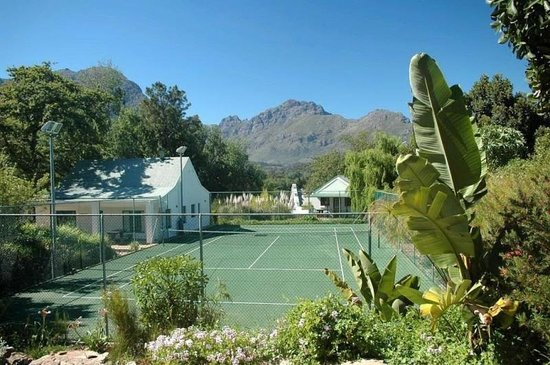 DeKraal Country Lodge: Tennis Court