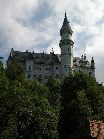 قصر نويشفانشتاين: Neuschwanstein castle